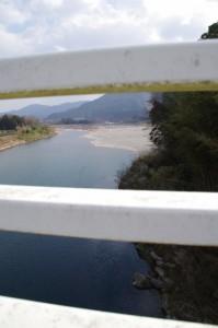 久具都比売橋から望む上久具の渡し場跡(宮川)