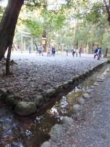 下御井神社から土宮へ(外宮)