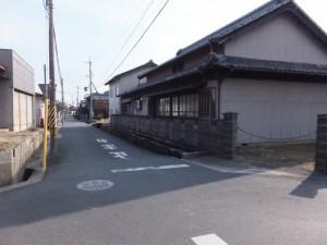 内堀道への交差点、伊勢街道(6803)付近