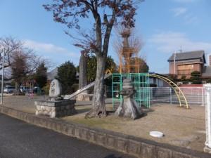 山神、常夜燈(池子町公園)