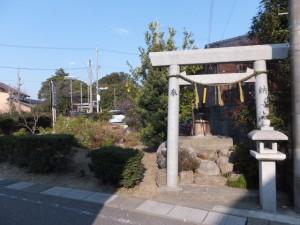 山神・鳥居・常夜燈、伊勢-2(1330)付近