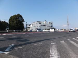 振り返って肥田町交差点を確認、伊勢-2(2257)