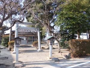 山神・鳥居・常夜燈の隣にある天白社、伊勢-2(2606)