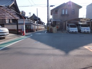 正信寺と道標、伊勢-2(3013)