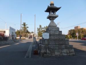 江島若宮八幡神社の常夜燈