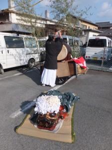 森永牛乳三ツ矢販売所付近(世木神社の御頭神事)