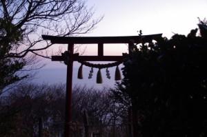 音無山にある音成神社の鳥居(伊勢市二見町)