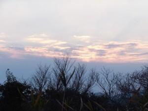 早朝、音無山(伊勢市二見町)からの眺望