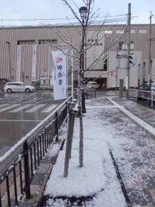 雪の近鉄 宇治山田駅