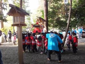 楠部町萬歳楽 子供神輿(櫲樟尾神社)