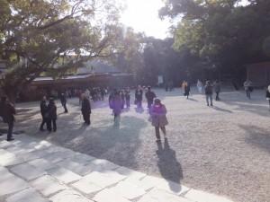 参拝を終えて(01)本宮からの風景(熱田神宮)