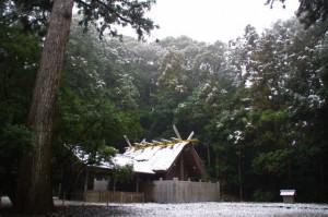 土宮(昨夜の雪が残る外宮)
