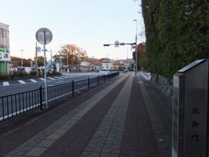 熊野古道伊勢路 起点の道標(新宮まで166km)