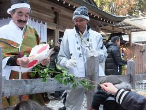 五身懸祭 – 万歳楽神事(川添神社)