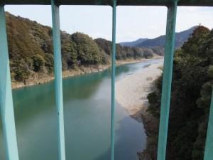 野原橋から望む野原の渡し場跡(宮川)
