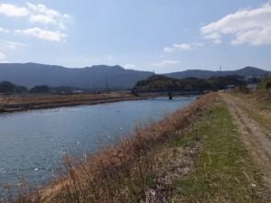 堀割橋へ(五十鈴川左岸)