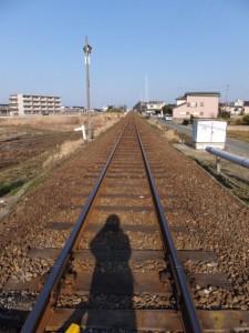 JR参宮線 大町踏切にて五十鈴ヶ丘駅方向を遠望