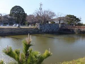 大手門橋付近(田丸城址の堀)