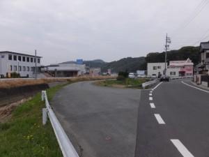 丸山橋から朝川沿いに田上大水神社へ