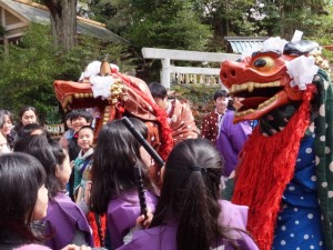 大山祗神社 奉納「獅子と天狗の舞」(大山祗神社)