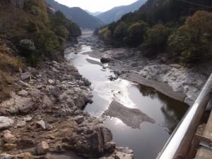 滝水橋から望む宮川の下流方向