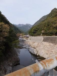滝水橋から望む宮川の上流方向