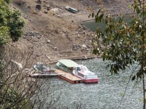 宮川貯水池の観光船乗船場(宮川ウォーク、大杉谷自然の家〜宮川ダム)
