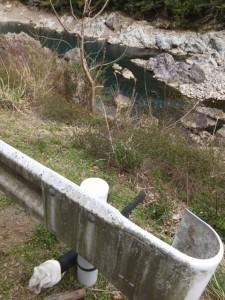 鮎の稚魚放流用ホース(宮川ウォーク、大杉谷自然学校〜桧原橋)
