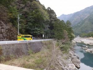 宮川ウォーク、桧原橋から望む山の神ほか