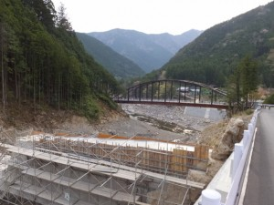 宮川ウォーク、上流側から望む持山橋