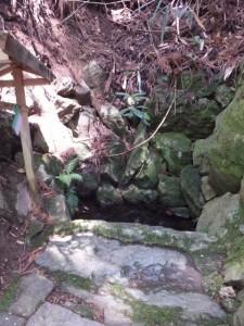 閼伽の井(修行門(金峯神社の鳥居)〜吉野水分神社)