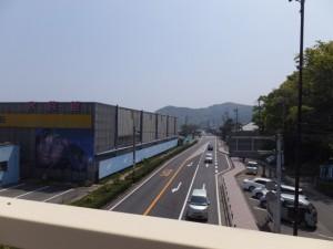 二見シーパラダイス前の歩道橋上からの風景(江交差点方向)