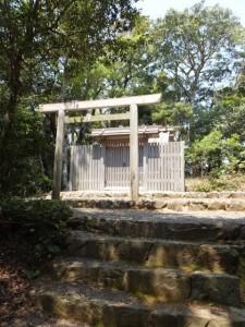 神前神社(許母利神社、荒前神社を同座)