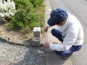 坂本遊園地の先の道標(多気郡明和町)