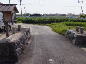 須田公民館付近の山神ほか