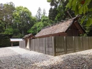 八尋殿(神麻続機殿神社)