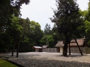 神麻続機殿神社、末社八所、八尋殿