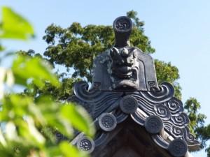 本堂の鬼瓦(近長谷寺)
