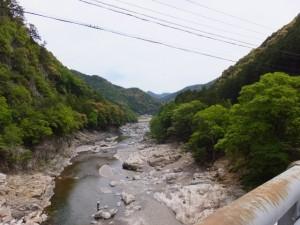 滝水橋から望む宮川の下流側