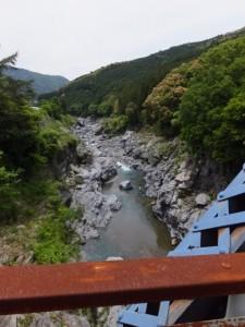 旧領内橋から望む宮川の上流側