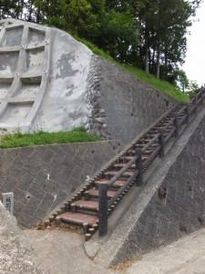 板羽稲荷参道の階段