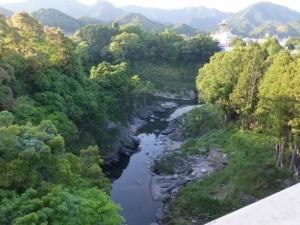 滝見橋から望む宮川と大内山川の合流点