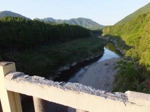 船木橋から望む宮川の下流側