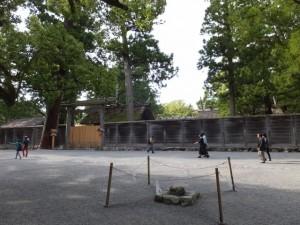 外宮 三ツ石の前から眺める旧宮