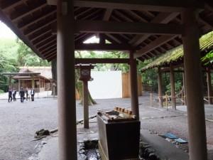 手水舎、御造営の準備が開始された新御敷地(月夜見宮)
