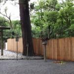 右隣りは御造営の準備が開始された新御敷地(月夜見宮)