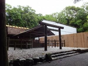 右隣りは御造営が進められている新御敷地(倭姫宮)