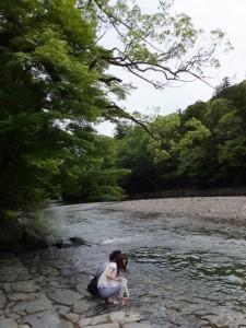 内宮の御手洗場(五十鈴川)
