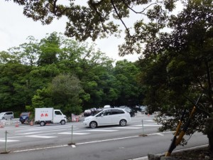 宇治橋前からタクシーの待機場所方向へ