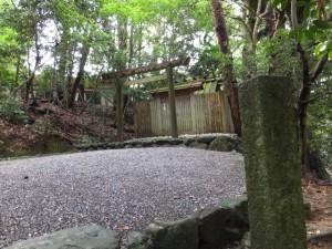 津長神社(新川神社、石井神社を同座)